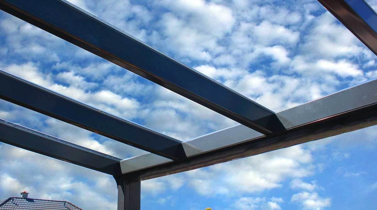 Alu Terrassenüberdachung, Carport und Aluminium Kalt-Wintergarten Anthrazit, 8mm VSG freier Himmel